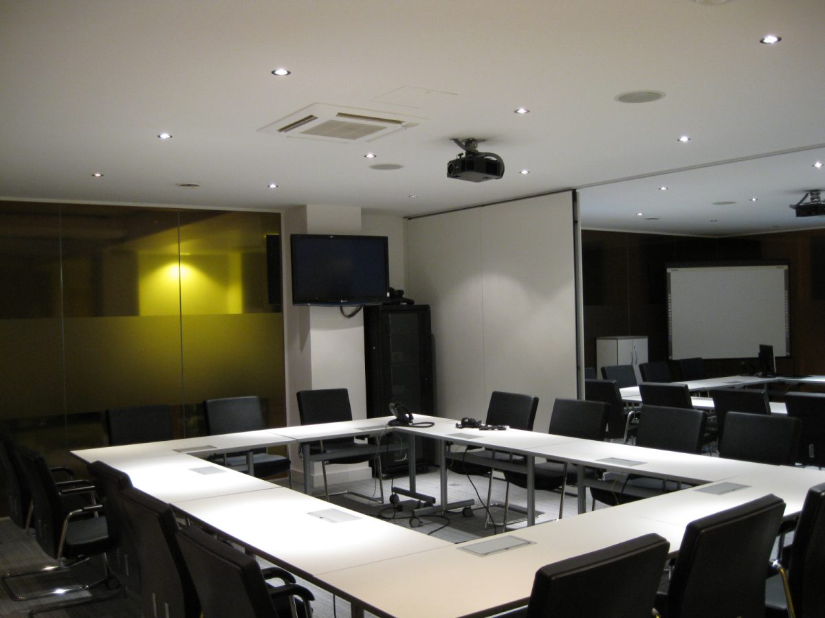 subdivided meeting and traing room with corporate AV systems by Tea London